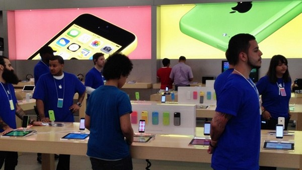 Apple, is AAPL a good stock to buy, Scott Kessler, iPhone 6, iWatch,