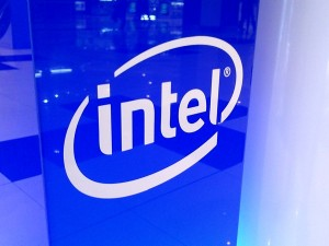 Intel, tablets, second screen, smartphones, is INTC a good stock to buy, Agnes Kwan,