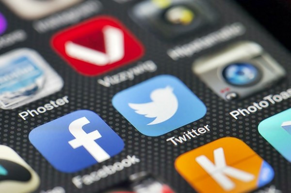 Twitter, is TWTR a good stock to buy, convertible bond offering,
