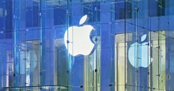 Apple, iPhone, Nokia, is AAPL a good stock to buy, is NOK a good stock to buy, Alexander Stubb