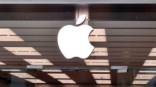 Apple, GT Advanced Technologies, is AAPL a good stock to buy, is GTAT a good stock to buy, Mark Spoonauer, legal,