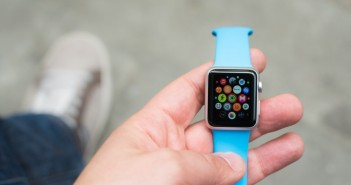 Apple Inc. (NASDAQ:AAPL), Apple, Watch, Display, Innovation, interface, App